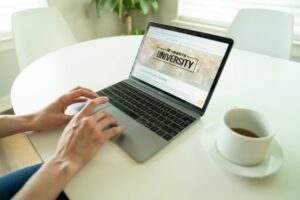 他社のコーポレートサイトで参考にすべき5つのポイント
