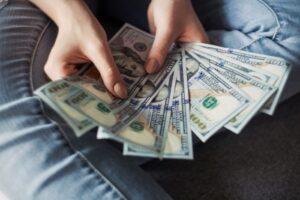 お金の使い過ぎ